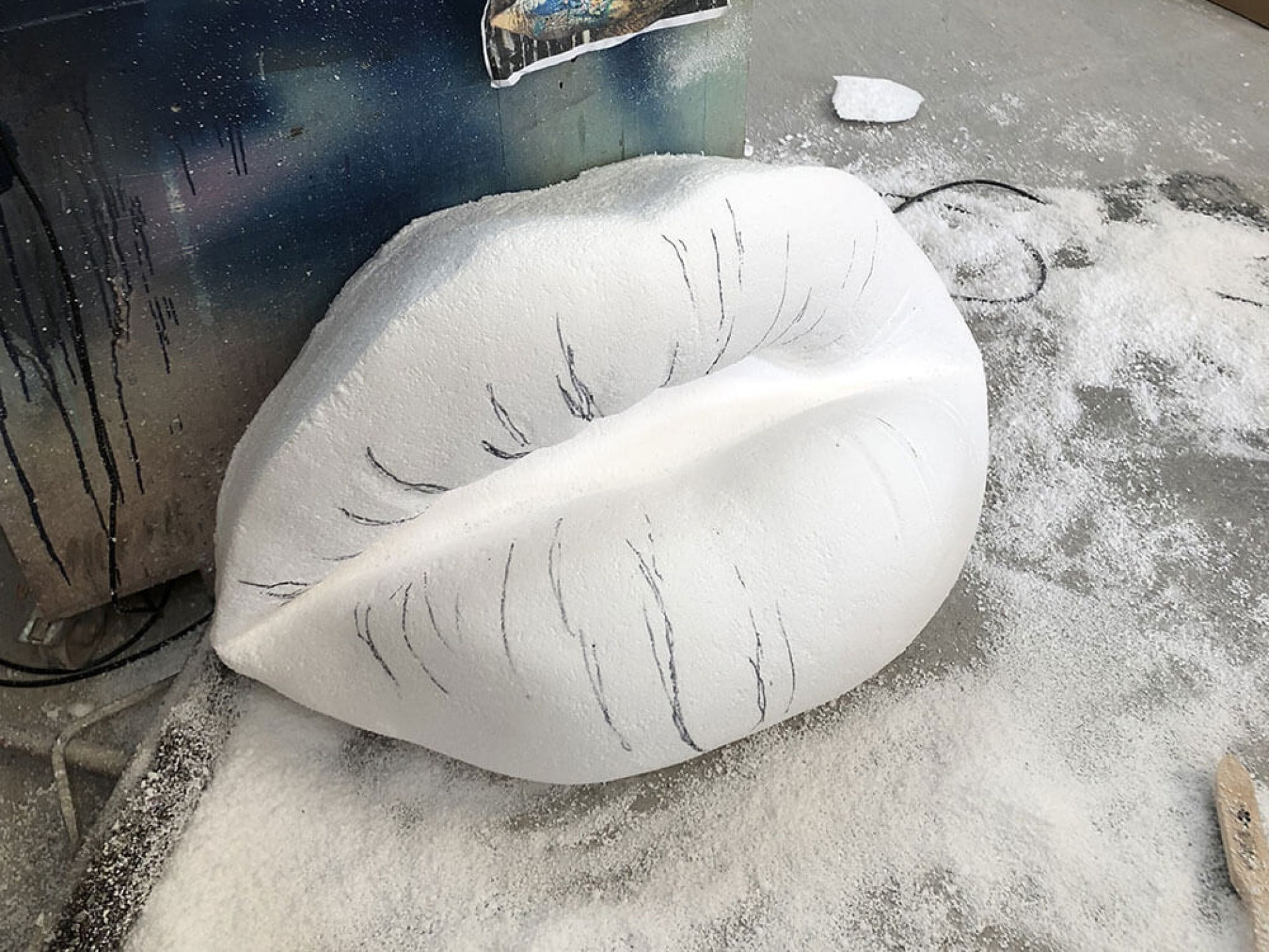 Giant 3d lips sculpted in polystyrene.